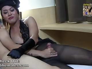 shemale malika cums on her black pantyhose