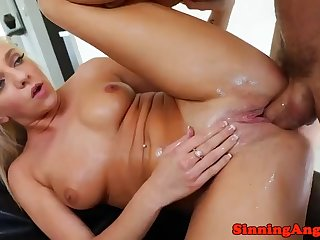 bigtits beauty loves getting anally drilled